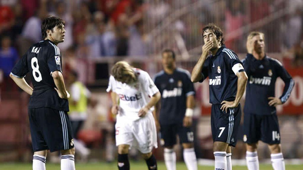 El Madrid, abatido tras el segundo tanto del Sevilla