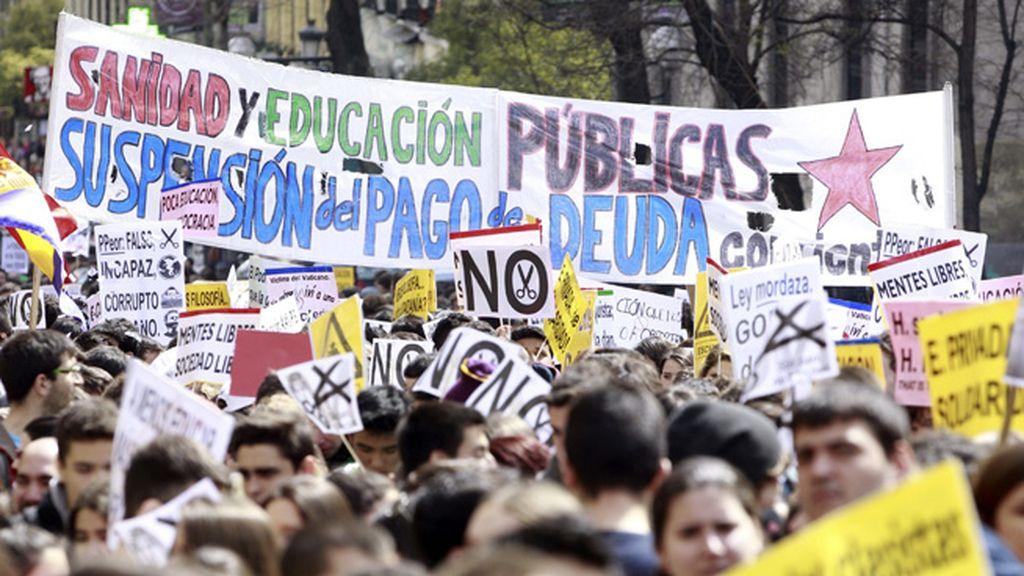 Cientos de estudiantes toman las calles