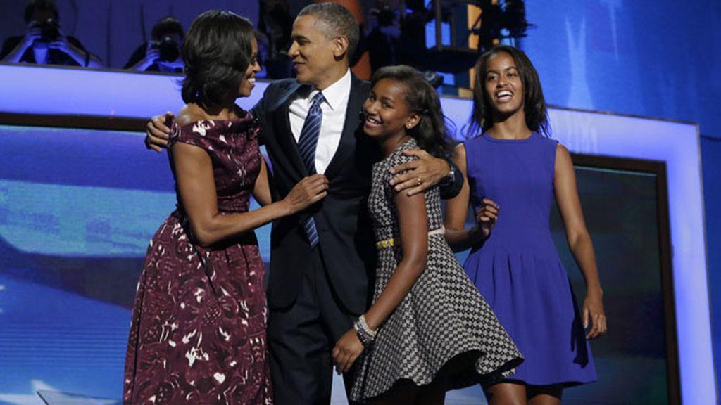 Toda la familia apoyando a Obama en su reelección como candidato