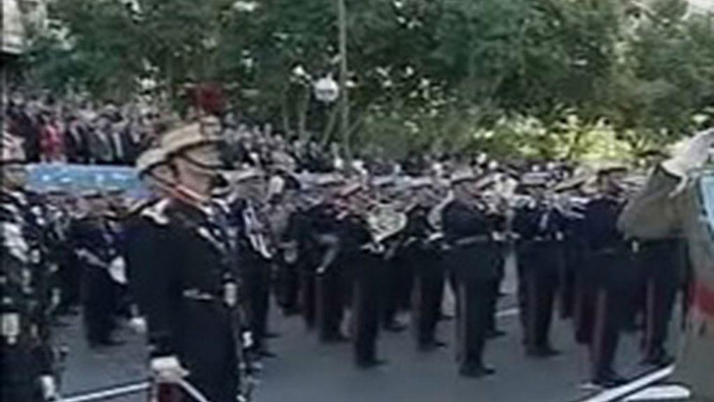 Defensa permite a los cadetes de la Academia Infantería de Toledo que rindan homenaje a la Custodia del Corpus Christi