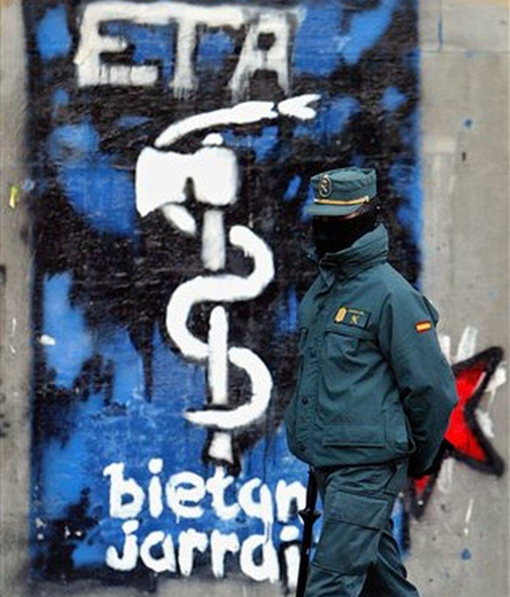 La última vez que la banda anunció una tregua fue el 22 de marzo de 2006..Los terroristas la rompieron el 31 de diciembre de 2006 con el atentado en la terminal 4 del aeropuerto Madrid-Barajas.