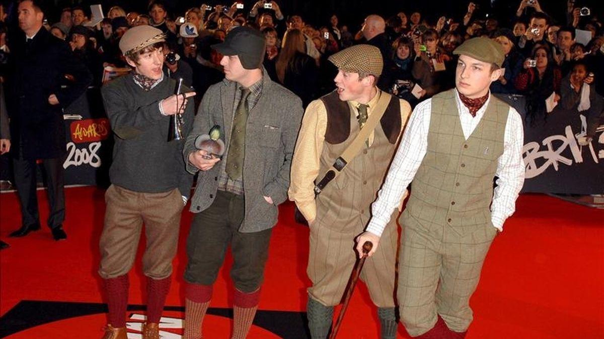 Los integrantes de la banda británica 'Arctic Monkeys'. EFE/Archivo