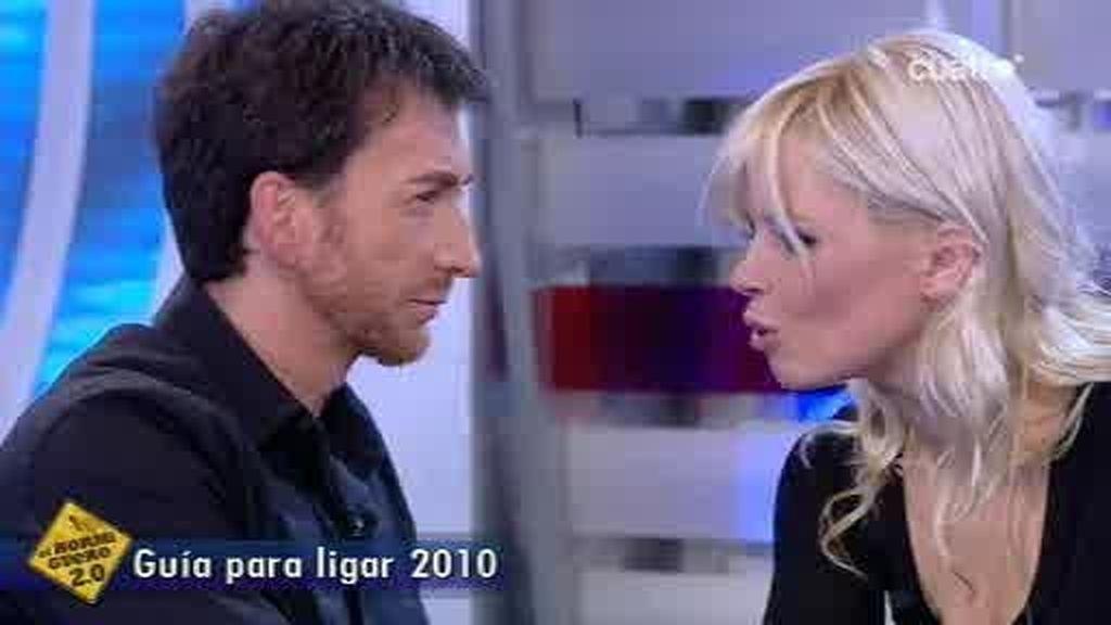 Pablo Motos y Lluvia Rojo cantan juntos y terminan besándose