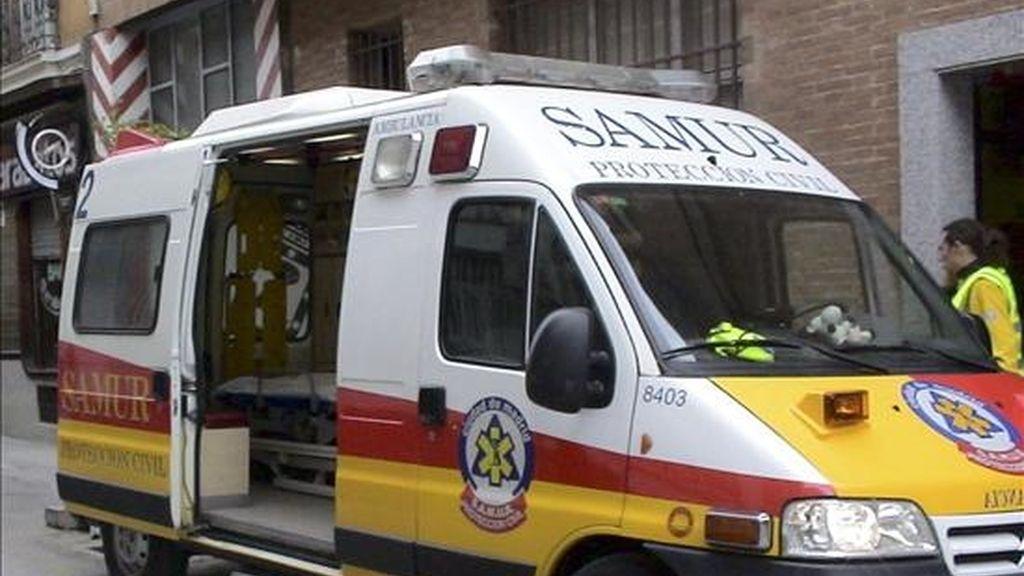 Un menor de unos 10 años ha muerto y tres personas más han resultado heridas en un atropello múltiple que se ha producido en el barrio de Navas de Barcelona, cuando un turismo ha embestido a un grupo de personas que se encontraban en una isla peatonal en el centro de la avenida Meridiana. EFE/Archivo
