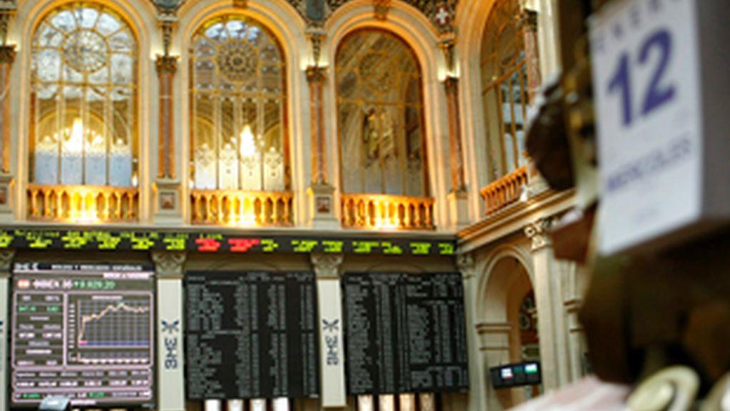 La Bolsa de Madrid se dispara ante la subasta lusa. Video: Informativos Telecinco