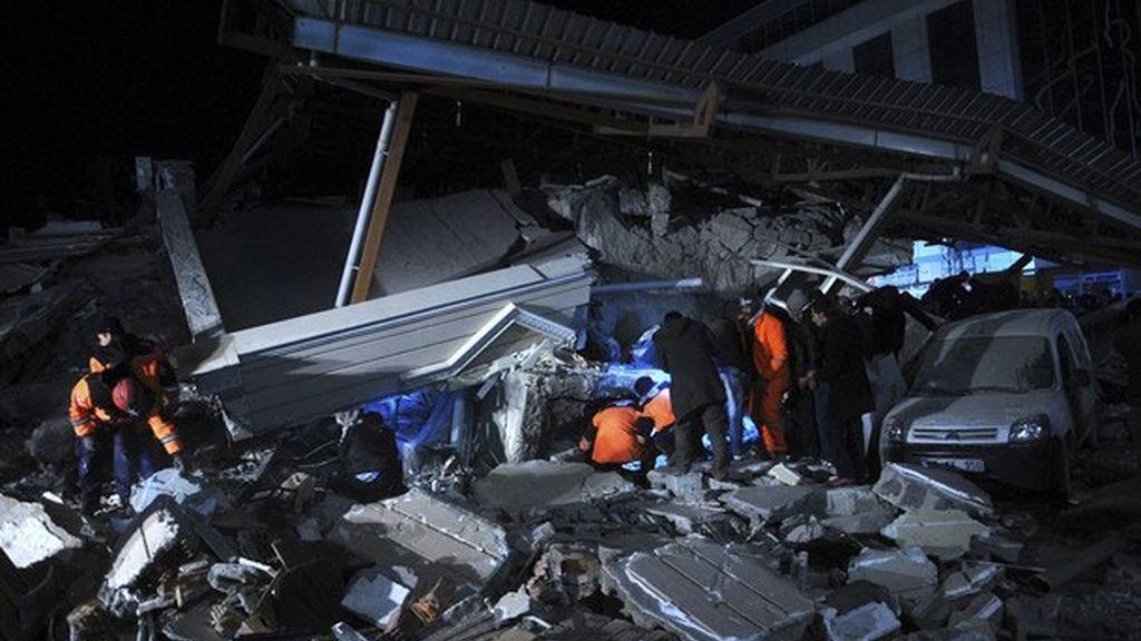 Un terremoto de 5,7 sacude de nuevo la castigada región de Van
