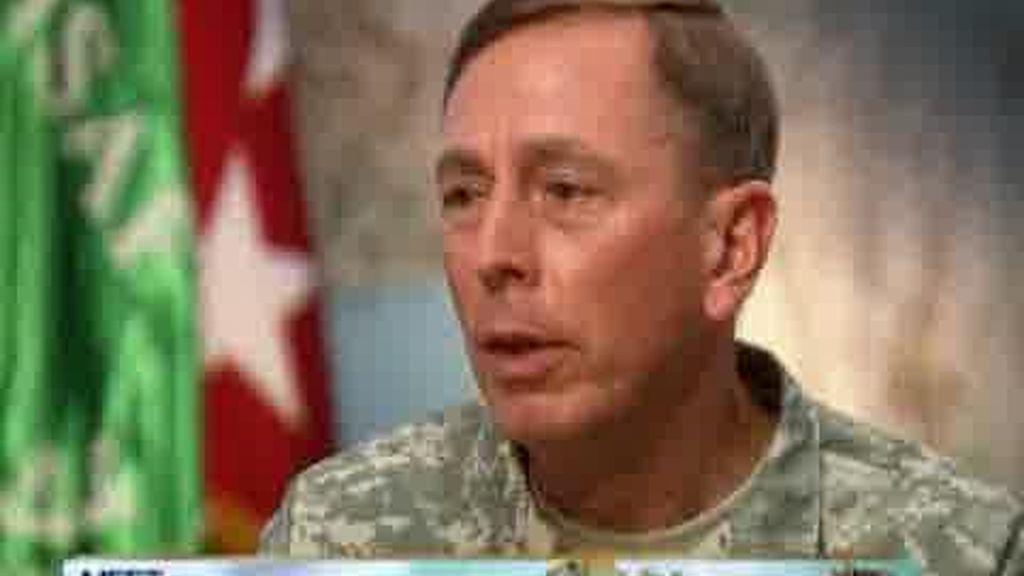 Petraeus, contra la retirada de Afganistán
