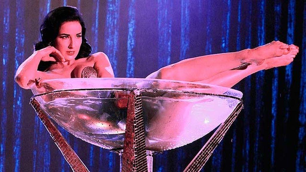 Dita Von Teese ocultará a Greg su faceta como estrella del burlesque