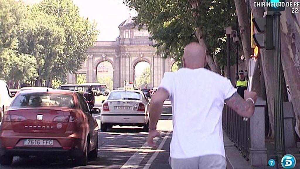 La antorcha pasó por los lugares más emblemáticos de Madrid