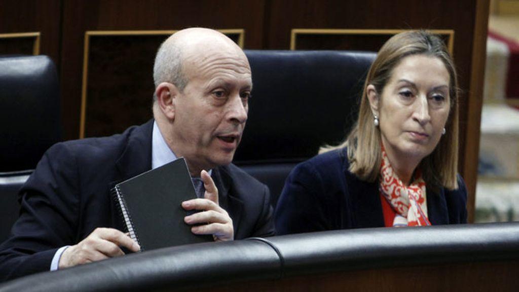 El ministro de Educación y Cultura, José Ignacio Wert y la titular de Fomento, Ana Pastor