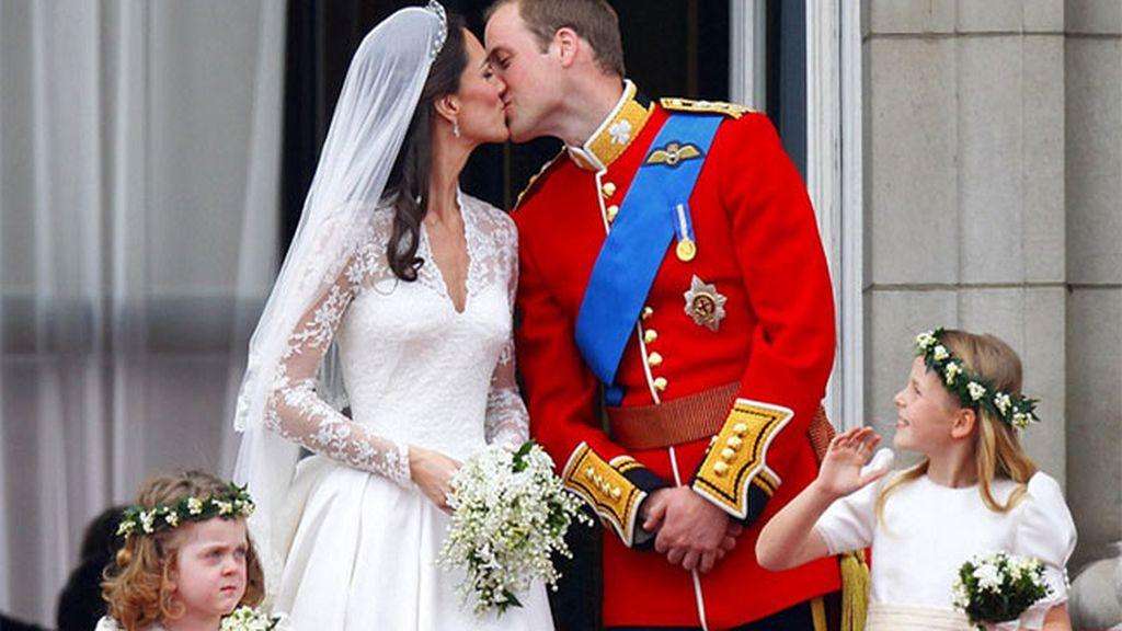 El beso de Kate Middleton con su marido el Príncipe Guillermo