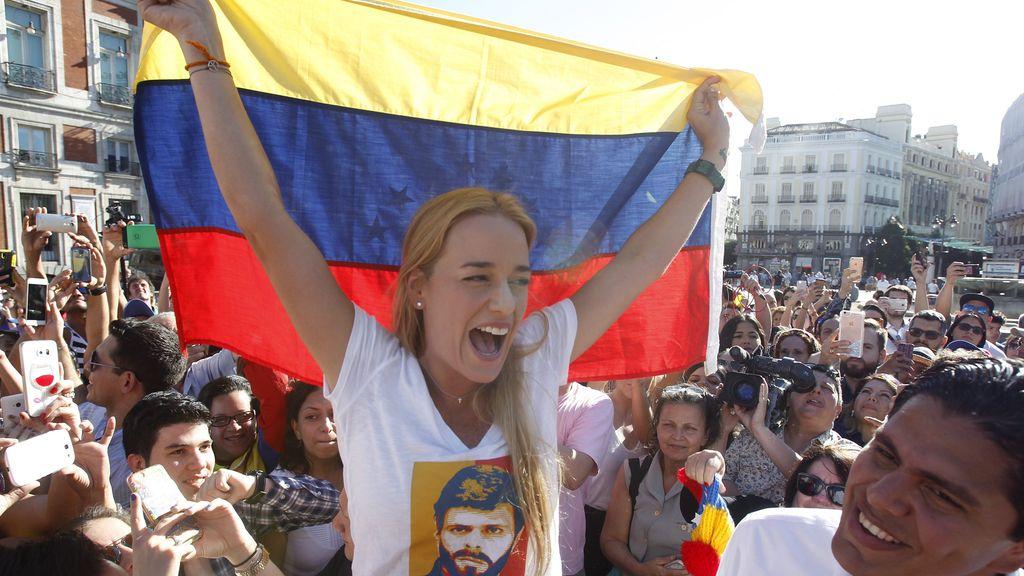 Lilian Tintori en un acto de recogida de medicamentos para Venezuela