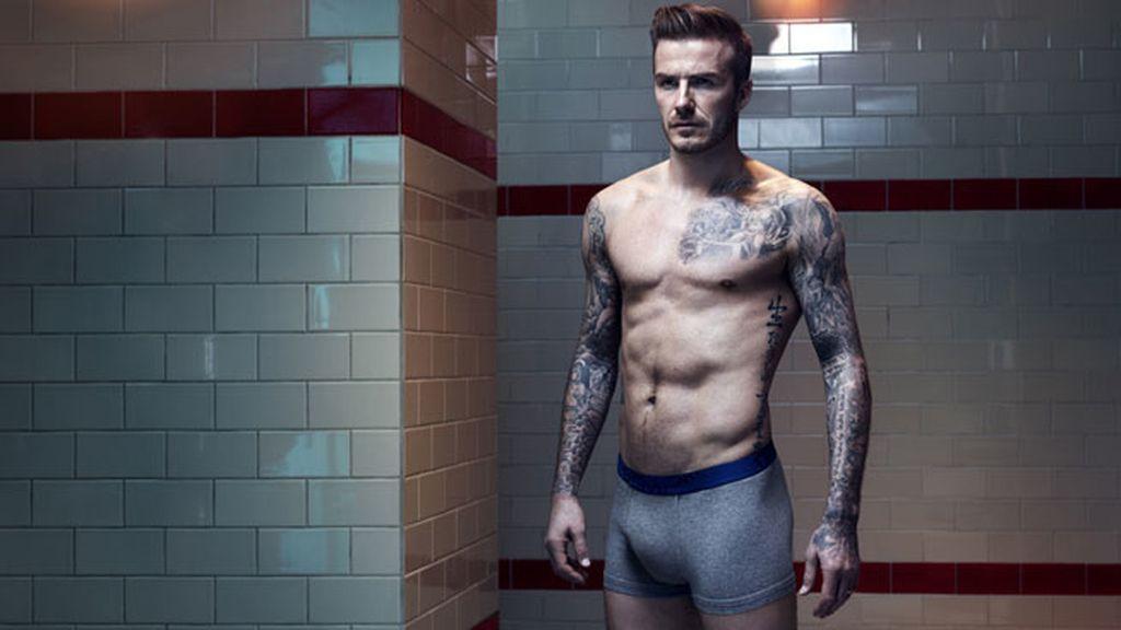 David Beckham posa para H&M en un vestuario