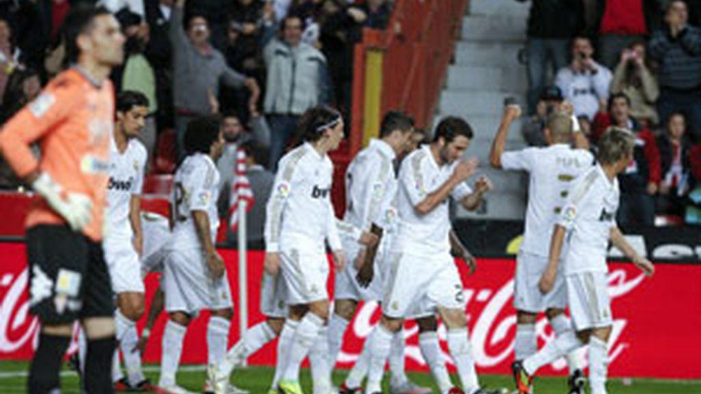 El Real Madrid se impone en El Molinón