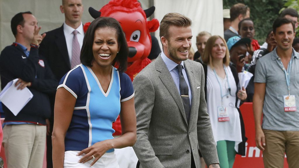 Michelle Obama y Beckham participan en un acto en Londres