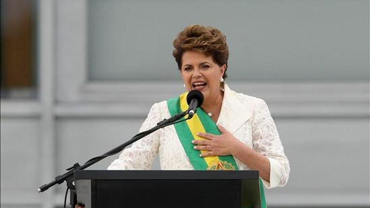 """Durante el acto de su investidura Rousseff le hizo saber al mandatario paraguayo """"que Brasil está dispuesto y deseoso de cumplir todos los compromiso asumidos con el Paraguay. EFE/Archivo"""