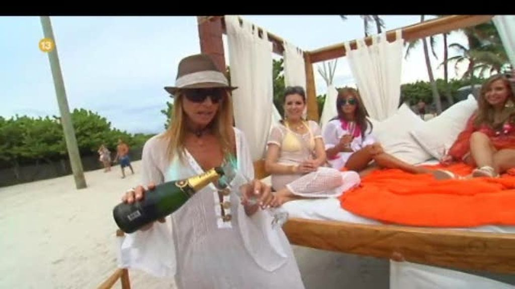 Promo Casadas con Miami: champán