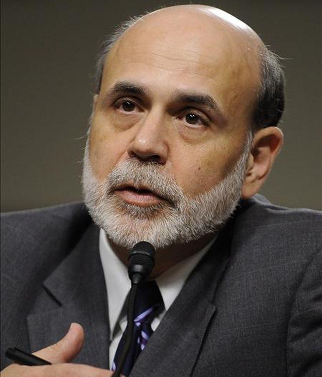 El presidente de la Reserva Federal (Fed), Ben Bernanke, habla este 21 de julio durante la audiencia del Comité del Senado sobre Banca, Vivienda y Asuntos Urbanos en el Capitolio de Washington, EE.UU. EFE