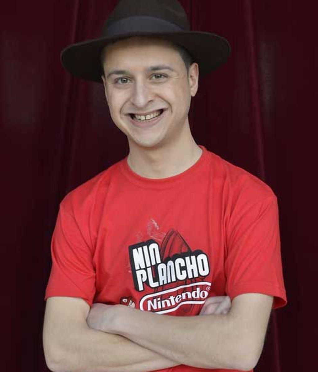 """Daniel Iglesias, el 'moñas': """"Soy indagador de la conciencia humana"""""""