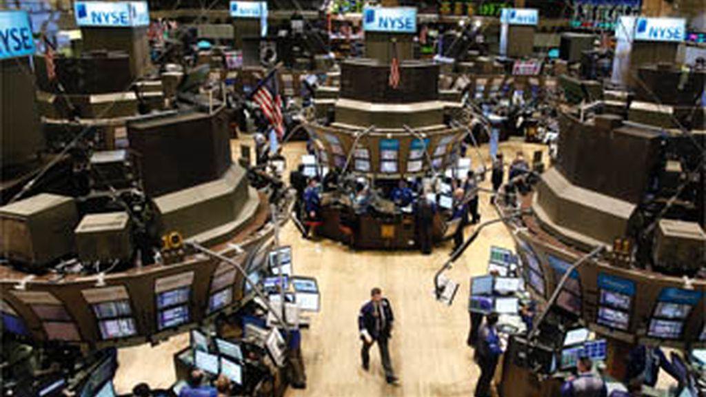 El pánico se apodera de Wall Street durante unos minutos