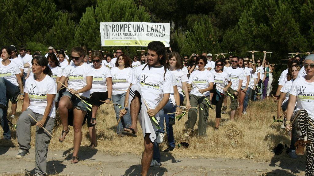 Manifestacion contra el Toro de la Vega