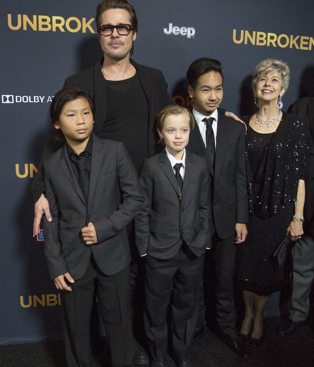 Brad Pitt,Angelina Jolie,Shiloh,john,transexual,travesti
