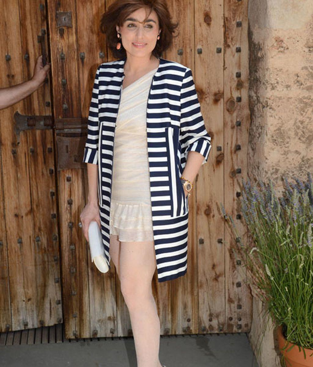Paloma Segrelles lució una chaqueta a rayas azul marino