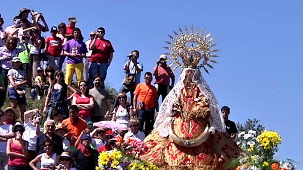 La romería de la Virgen del Castillo se celebra una vez cada 10 años en la Villa de Bernardos, Segovia