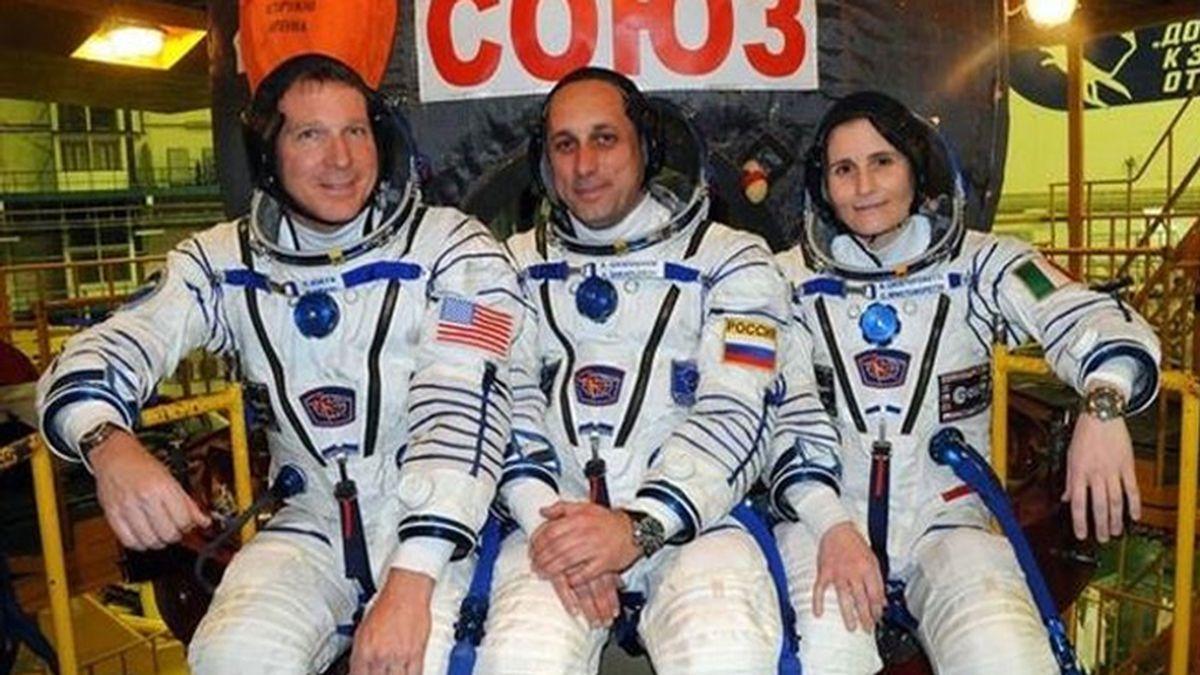 La nueva tripulación de la ISS pone rumbo al módulo orbital