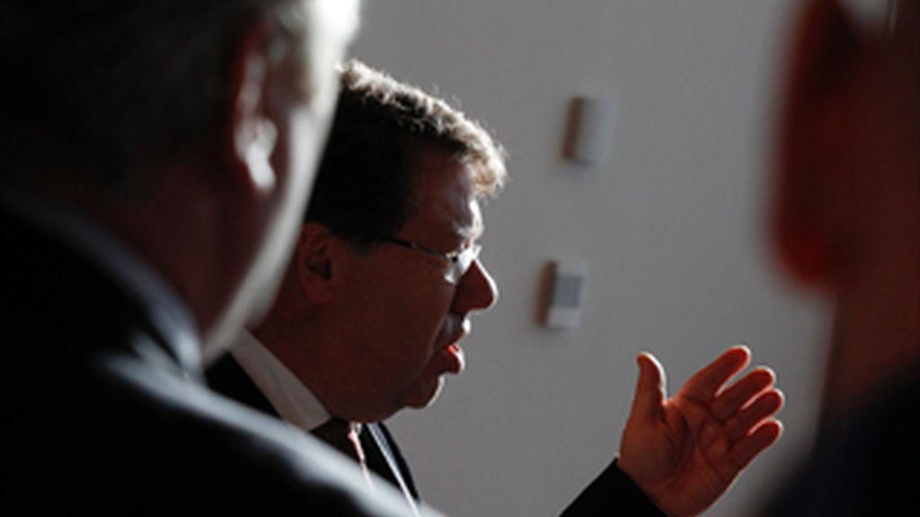 El primer ministro de Irlanda anuncia la disolución del Parlamento en enero de 2011