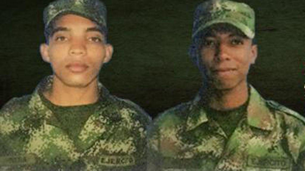Las FARC entregan a Cruz Roja a los soldados Rivera y Díaz
