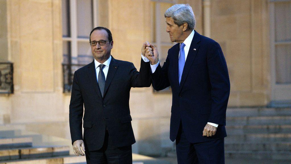 Hollande y Kerry abogan por reforzar la cooperación en materia antiterrorista