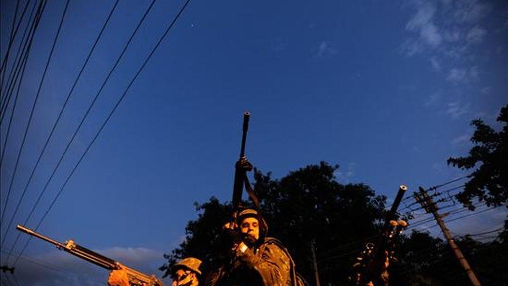 Soldados del ejército brasileño participan en un operativo en la favela Complexo do Alemao en Río de Janeiro (Brasil). EFE