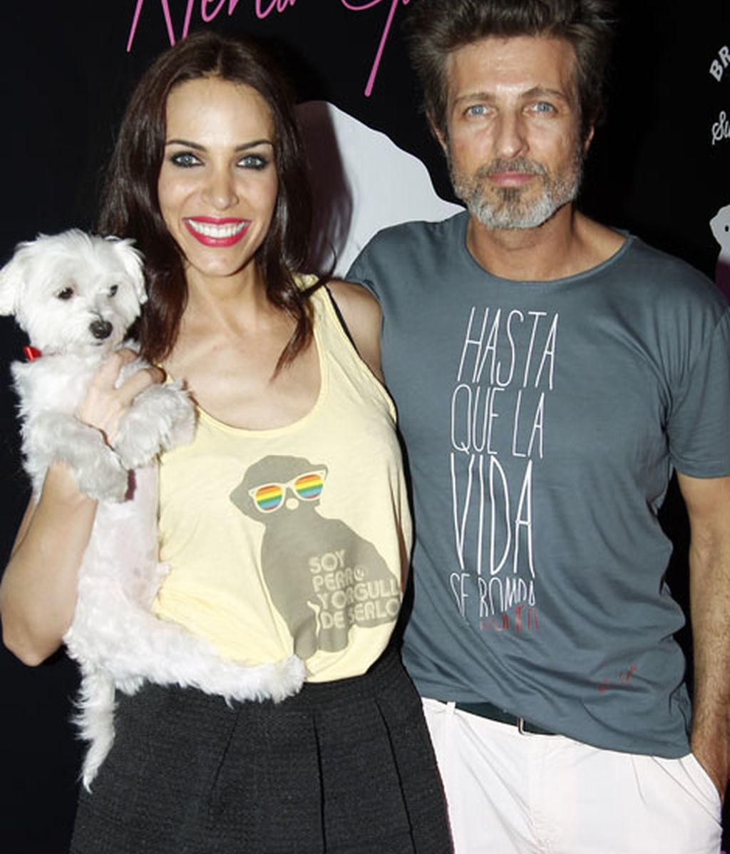 Garmendia estuvo acompañada por su pareja, Jesús Olmedo, y la mascota de ambos