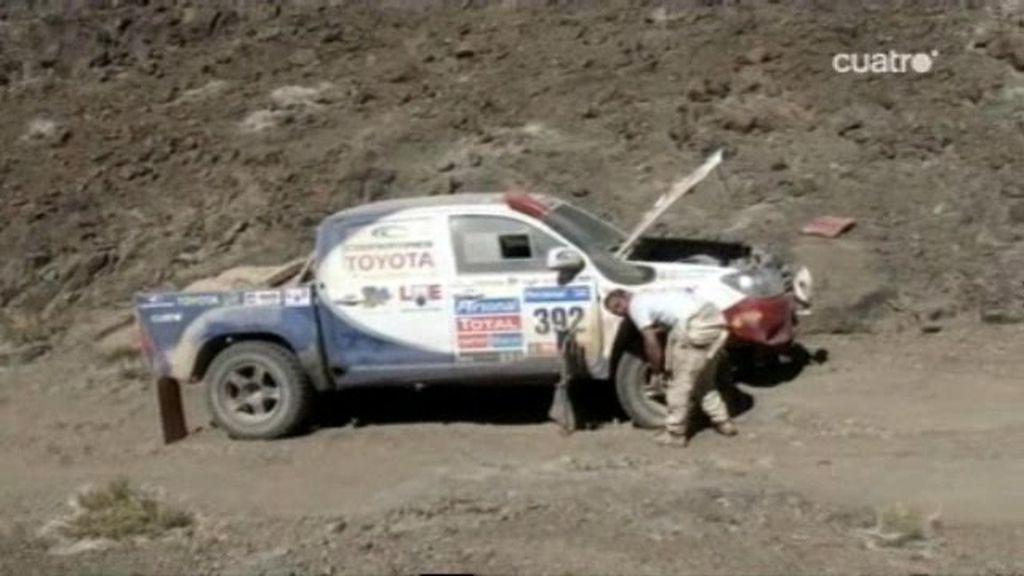 Jesús Calleja tiene que abandonar el Dakar 2011