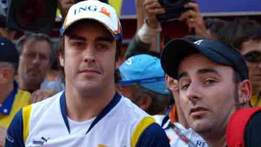 Fernando Alonso junto a Pedro José