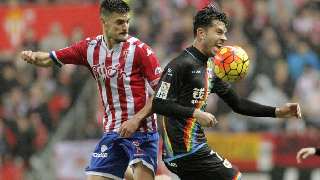 Sporting y Rayo firman el empate y se quedan como estaban