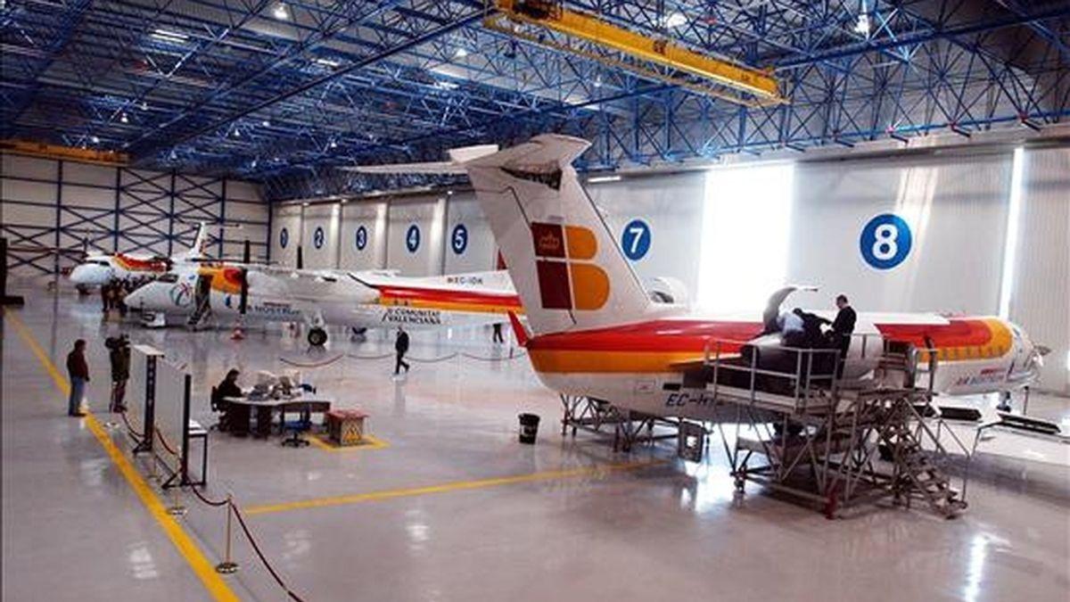 Vista del hangar de matenimiento de la compañía Air Nostrum en Valencia. EFE/Archivo