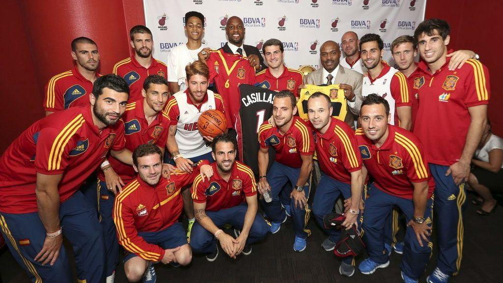 Los jugadores de España, en el pabellón de los Heat.