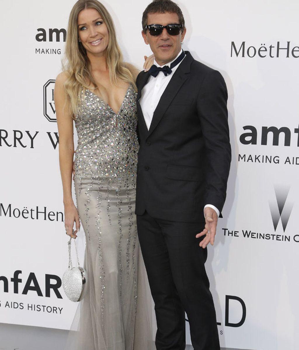 Antonio Banderas, junto a su novia Nicole Kimpel, no quiso perderse la gala