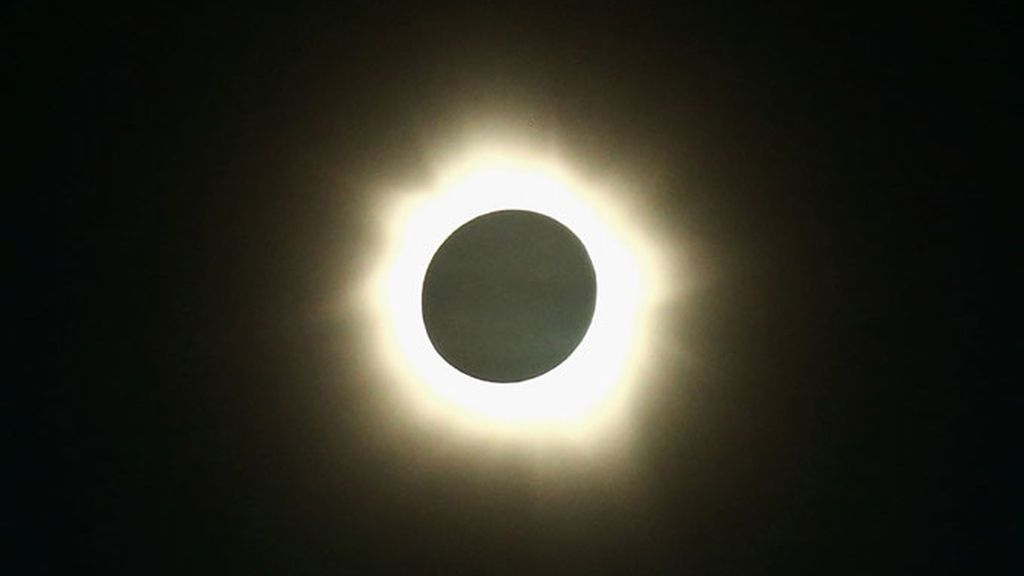 El eclipse total de sol en su punto máximo