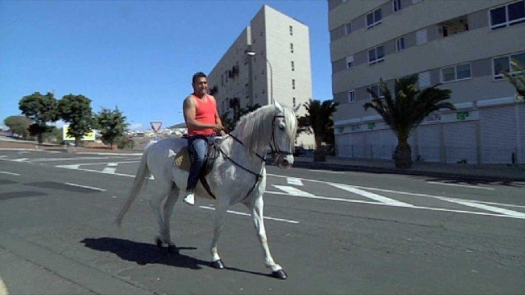 'Callejeros' en el barrio de Añaza en Santa Cruz de Tenerife