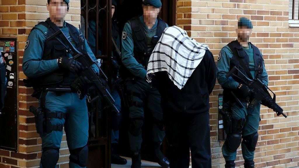 La Guardia Civil detiene a cuatro acusados de distribuir propaganda yihadista