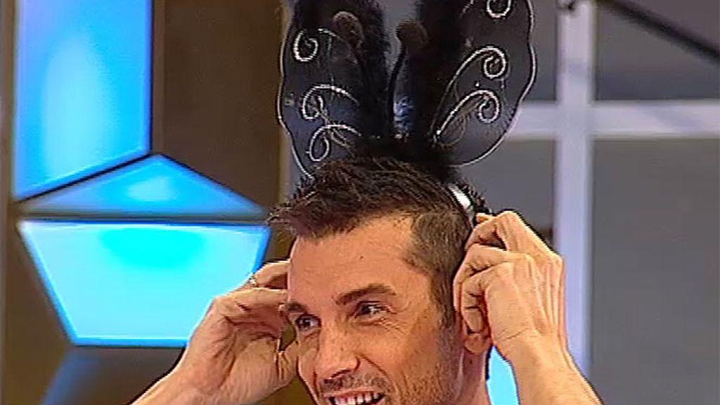 Jesús, con orejas de conejito