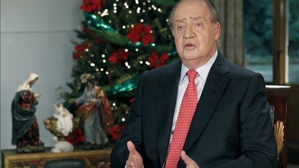 El rey Juan Carlos, durante el tradicional mensaje de Navidad. EFE/Archivo