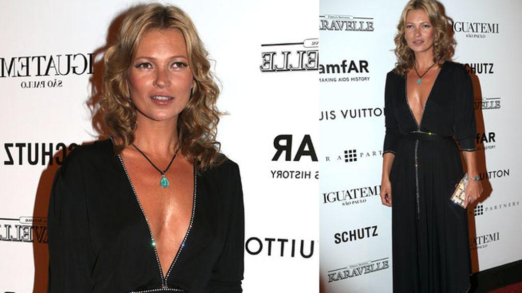 Kate Moss no necesitó joyas para destacar en el evento