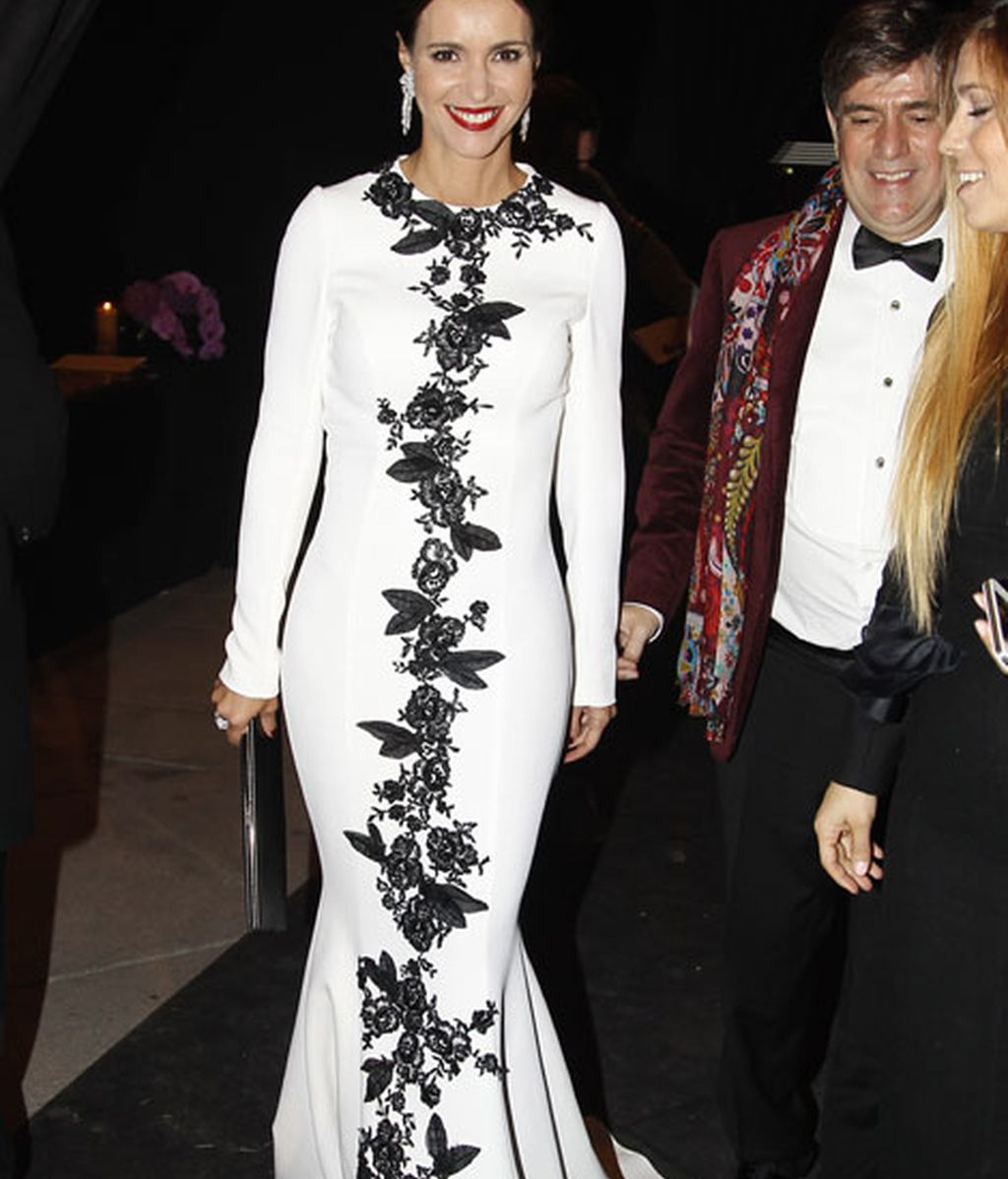 La presentadora Arancha del Sol, con un espectacular vestido blanco
