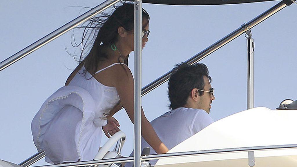Messi y Antonella Roccuzzo apuran sus últimos días de vacas junto a Alves y Dinara