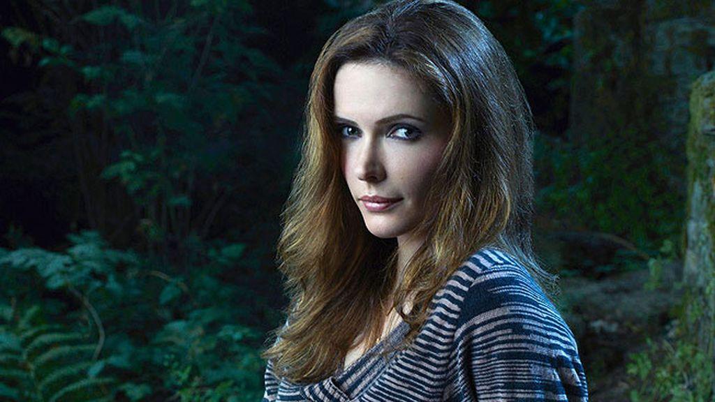 Bitsie Tulloch es Juliette Silverston, la novia del protagonista