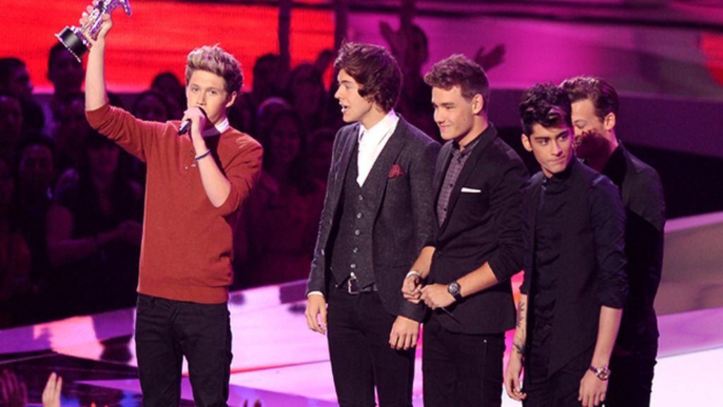 Los 'One Direction' arrasaron en los MTV Awards